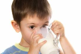Kids drinking milk