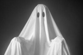 """New Dating Term: """"Haunting"""" Is Like a More Traumatic Version of Ghosting"""