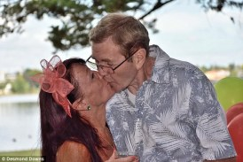Guy with Alzheimer's Forgot He Was Married and Proposed to His Wife Again